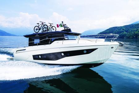 CRANCHI T 36 CROSSOVER AWARDED POWER BOAT OF THE YEAR 2019