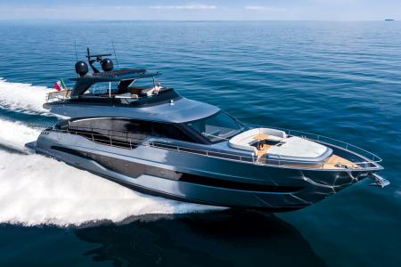 Cranchi SETTANTOTTO 78 : a superyacht to discover